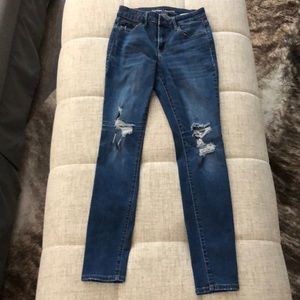 Old navy mid-rise rockstar skinny jean